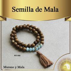 SEMILLA DE MALA La semilla de Mala tiene como propiedad proporcionar una sensación de equilibrio y armonía. Es muy utilizada en la práctica de la meditación.  El principal objetivo de la semilla mala es crear una sensación de calma y paz interior, no sólo para cada individuo, sino para la sociedad en su conjunto. También se utilizan como amuleto para la suerte. No deben ser usadas al bañarse. Av. Primavera 120 Oficina 212-A Chacarilla, Surco. (511)372-6826 /anamaria.fengshui@gmail.com