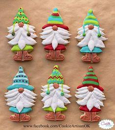 Santa Cookies, Christmas Sugar Cookies, Iced Cookies, Cute Cookies, Cookies Et Biscuits, Holiday Cookies, Cupcake Cookies, Cupcakes, Cookie Frosting