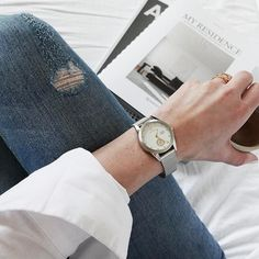 Two of the treasures I brought home with me from Stockholm last week, the new Snow Aska watch from @triwa, a beautiful classic and feminine watch inspired by the Scandinavian winter, and of course the new My Residence bookazine. ..and finally I found time to read it as well. #ad #triwa #snowaska #coffeeandmagazines