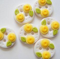Botones botón doble capullos de flores hechas a por digitsdesigns, $8.50