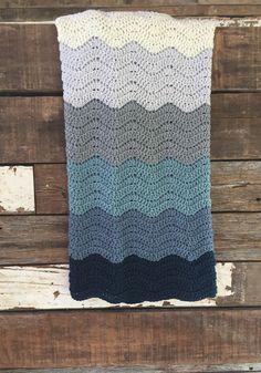 Wedding Blanket crochet pattern - a chunky blanket crochet pattern.