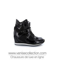 """BASKET COMPENSÉE VENISE COLLECTION """"MARTA""""  Basket Marta montante en cuir vernis noir sur un talon compensé de 8cm. Idéale pour un style à la fois sportif et élégant. Très tendance.  http://www.venisecollection.com/fr/chaussures-femme-luxe/basket-de-luxe/basket-elena-iachi-marta5.html"""