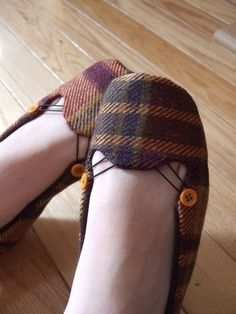 vegan shoes. want.
