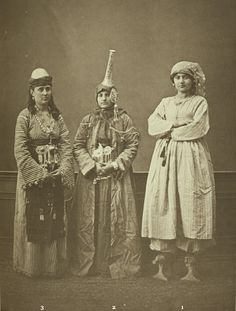 Peasant woman of Damascus; Druze woman of Damascus; married woman of Damascus. from the province of Syria, Ottoman Empire Pascal Sabah Ottoman Empire bestpicturesof Istanbul, Mercure Hotel, Islamic World, Folk Fashion, Folk Costume, Costumes, Queen Costume, Dance Costume, We Are The World