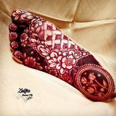 Leg Henna Designs, Khafif Mehndi Design, Floral Henna Designs, Henna Tattoo Designs Simple, Latest Bridal Mehndi Designs, Mehndi Design Pictures, Modern Mehndi Designs, Wedding Mehndi Designs, Dulhan Mehndi Designs