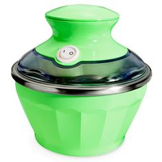This pint-sized ice cream maker is perfect for backyard barbecues! #summer #icecream #desserts