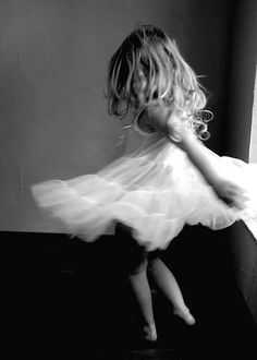 So reminds me of her! A beauty dancing around in her little world of innocence~