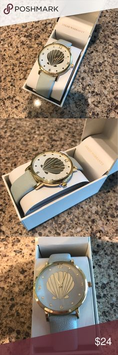 Seashell watch 🐟🐠 New never worn. In box. Super cute shell watch. Light mint band. Accessories Watches
