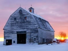 Northern Maine, Daily Photo, Vermont, Barns, Great Places, Snow, History, House Styles, Beautiful