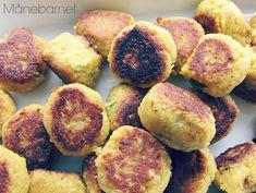 Ingredienser (til 2-3 personer) 200 gr. tørrede kikærter (Sat i blød natten over - eller ca. 8 timer) ½ dl koldt vand ½ dl olivenolie 1-2 tsk. citronsaft 1 lille løg 2-3 fed hvidløg ca. ½ finthakke...