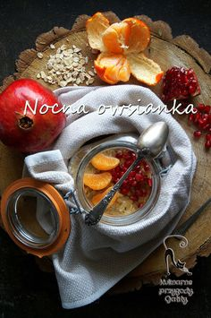 Kulinarne przygody Gatity: Nocna owsianka z mandarynką i granatem