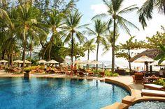 Katathani Phuket Beach Resort - Bestil hotel i Kata Beach hos Spies Varanasi, Phuket, Beach Resorts, Table Decorations, Outdoor Decor, Travel, Holidays, Men, Modern
