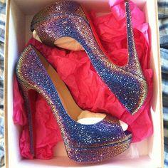 Women styles  #Fashion  #Style  #Shoes  #Christian #Louboutin