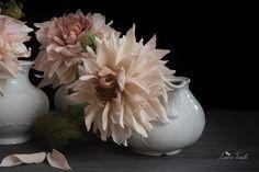 #pottery #dahlias #coldporcelain #botanicart #sugarflowers
