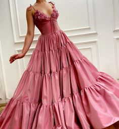 Details: - Exquisite Taffeta fabric with embroidered flowers - Pink sherbet color - A-line style with layered skirt - For special occasions Elegant Dresses, Pretty Dresses, Vintage Dresses, Formal Dresses, Party Mode, Pink Prom Dresses, Beautiful Gowns, Dream Dress, Foto E Video