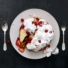 Fruit salad cake with fresh raspberry meringue