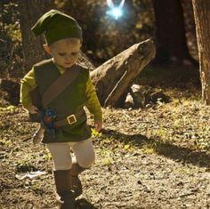 Menino fantasiado de Peter Pan