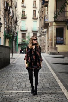 . Vestido / Dress: Asos (HERE)  . Bolso / Bag: Su-Shi  . Botines / Boots: Topshop (More HERE)  . Gafas / Sunnies: Italia Independent