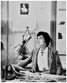 Coco Chanel Photographed for Vogue in 1954 by Henry Clarke #cocochanel