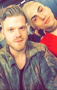 Yes Queens | Mitch and Scott | Pentatonix | Scömìche