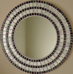 Con más de 40 originales diseños en mi colección, asegúrese de echar un vistazo. cada espejo también es cantada y fechada en la parte posterior por mí mismo, una paz original de obra de arte. Este hermoso espejo ha sido todo hecho a mano por mí mismo usando la más alta calidad de