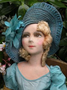 """ANCIENNE POUPEE DE SALON,FRENCH BOUDOIR DOLL CLOTH DOLL SUPERBE COSTUME ART DECO **""""I wonder what he's thinking when he looks at me like this.""""**"""