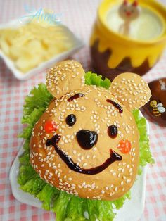 Winnie The Pooh Hamburger Combo Hamburgers, Cute Food, Good Food, Funny Food, Winnie The Pooh, Amazing Food Pictures, Bread Shaping, Edible Food, Best Candy