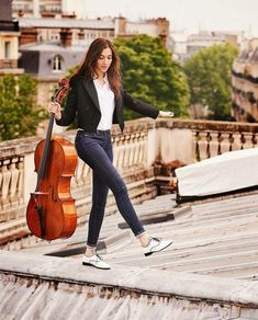 I would die Cello Art, Cello Music, Cello Photography, Photography Poses, Camille Thomas, Music Love, Photoshoot, Senior Photos, Classical Music