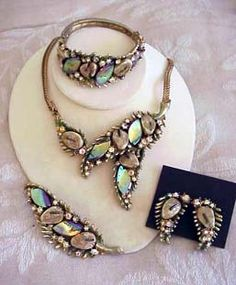5d1c36634 necklace, brooch, hinged bangle and earrings with the wonderful fantasy  stones