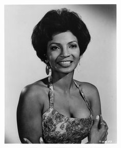 The beautiful Nichelle Nichols aka Uhura from the popular series Star Trek. She sang with Duke Ellington & Lionel Hampton before pursuing an acting career. Star Trek Original, Star Trek Tos, Star Wars, Star Trek Characters, Female Characters, Black Actresses, Actors & Actresses, Black Actors, Nichelle Nichols