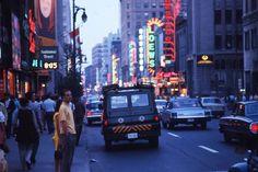 Rue Sainte-Catherine 25 août 1969. VM94-Ad141-001