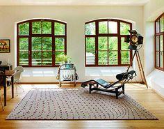 Aus über 134 Farben in den Qualitäten Cream, Pearl und Magic von Characters sind auch uni Teppiche in jedem Maß, jeder Farbe und jeder Form lieferbar. Für Allergiker geeignet und Schadstoff geprüft.