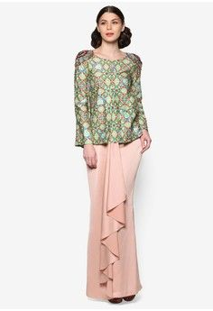LS for Jovian – Nurel Modern Baju Kurung from Jovian in Muslim Women Fashion, Womens Fashion, Muslimah Clothing, Kebaya Dress, Traditional Outfits, Fashion Outfits, Fashion Ideas, Bridal, Fendi