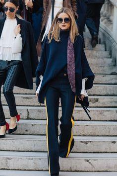 Olivia Palermo - Revue en images des meilleurs looks de rue pris sur le vif par Sandra Semburg à la sortie des défilés automne-hiver 2017-2018 de Paris - March 2017