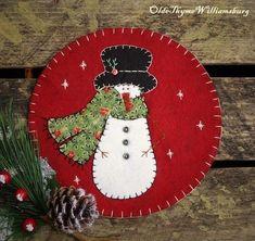 Primitive Stitchery CHRISTMAS Vintage Quilt Snowman Penny Rug ~ Candle Mat