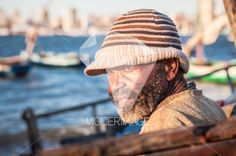 Homem na costa/Man by the shore by Artur Cabral – Moderimage