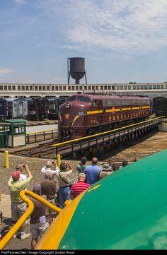 RailPictures.Net Photo: JTCX 5711 Juniata Terminal (JTCX) EMD E8(A) at Spencer, North Carolina by Jordan Hood
