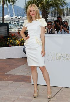 "Rachel McAdams in Maxime Simoëns Couture at the ""Midnight In Paris"" photocall (2011)"