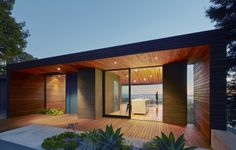 Gallery of Skyline House / Terry & Terry Architecture - 3