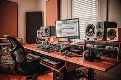 Home Studio Setup, Music Studio Room, Studio Gear, Basement Studio, Audio Studio, Film Studio, Gaming Room Setup, Desk Setup, Recording Studio Design