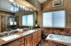 Big Bear Cabin #39 Gold Rush Resort 4Bed/3 Bath Great for Families! To Book call (310) 800-5454 or click the image! #BigBear #vacation #5starvacation #jacuzzi #bathroom