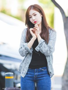 South Korean Girls, Korean Girl Groups, Sinb Gfriend, Role Player, G Friend, Kpop Girls, I Am Awesome, Hipster, Turtle Neck