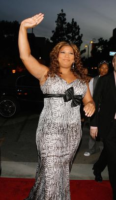 Queen Latifah Rocks the curves!!  Confident and awesome!