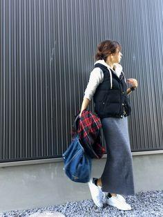 今日はポカポカ天気やし、久々にUNIQLOのスカート。 お気に入りのパーカーでしっかり重ね着して寒く