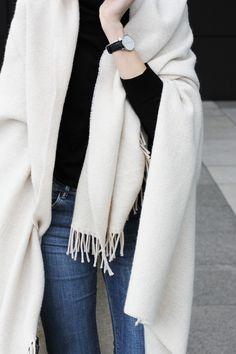 MING YU WANG Jewelry Syd Sterling Silver Ring w/ White Agate Gemstone www.mingyuwangnewyork.com Flared jeans & blanket | MyDubio