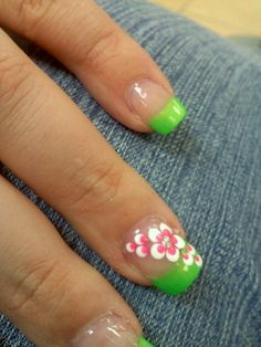 flower nail art #nailart #flowernails #coloredtips