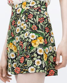 Image 6 of FLORAL SHORTS from Zara