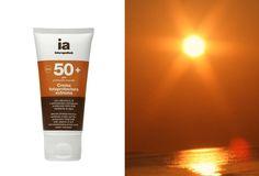 Crema fotoprotectora con aminoácidos hidratantes (serina, arginina y prolina), y efecto reafirmante. Vitaminas C y E con acción antioxidante y reafirmante.   Previene el envejecimiento cutáneo y la aparición de manchas.  Condiciones de exposición intensas. Textura crema-gel ligera de rápida absorción.  Resistente al agua.   .    INDICACIONES: Protección solar muy alta para pieles claras, intolerantes al #sol, o todo tipo de pieles.