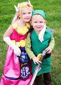 los angeles kids dressed as young princess zelda link cosplays