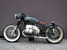 Keeping things simple and classic is this BMW Motorrad Bobber Motocircus. Motos Bobber, Bobber Bikes, Moto Bike, Cafe Racer Motorcycle, Cool Motorcycles, Vintage Motorcycles, Scrambler, Bmw Boxer, Bmw Cafe Racer